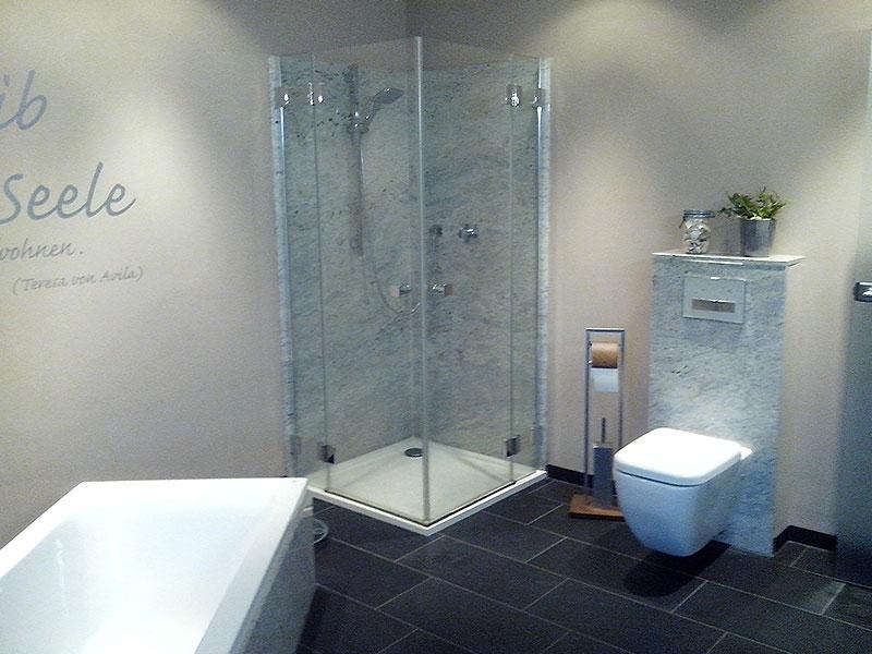 Badgestaltung - in Cashmere White-Granit